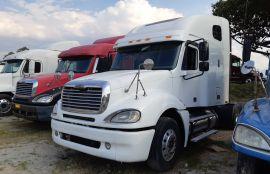 Freightliner, Columbia | 2005