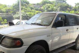 Mitsubishi, Montero | 2000