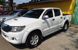 Toyota, Hilux | 2012