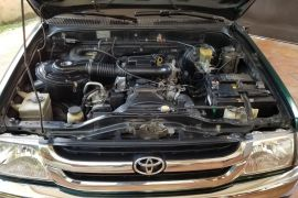 Toyota, Hilux | 2002