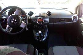 Mazda, MAZDA 2   2012