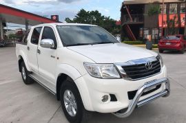 TOYOTA HILUX DOBLE CABINA AÑO 2013